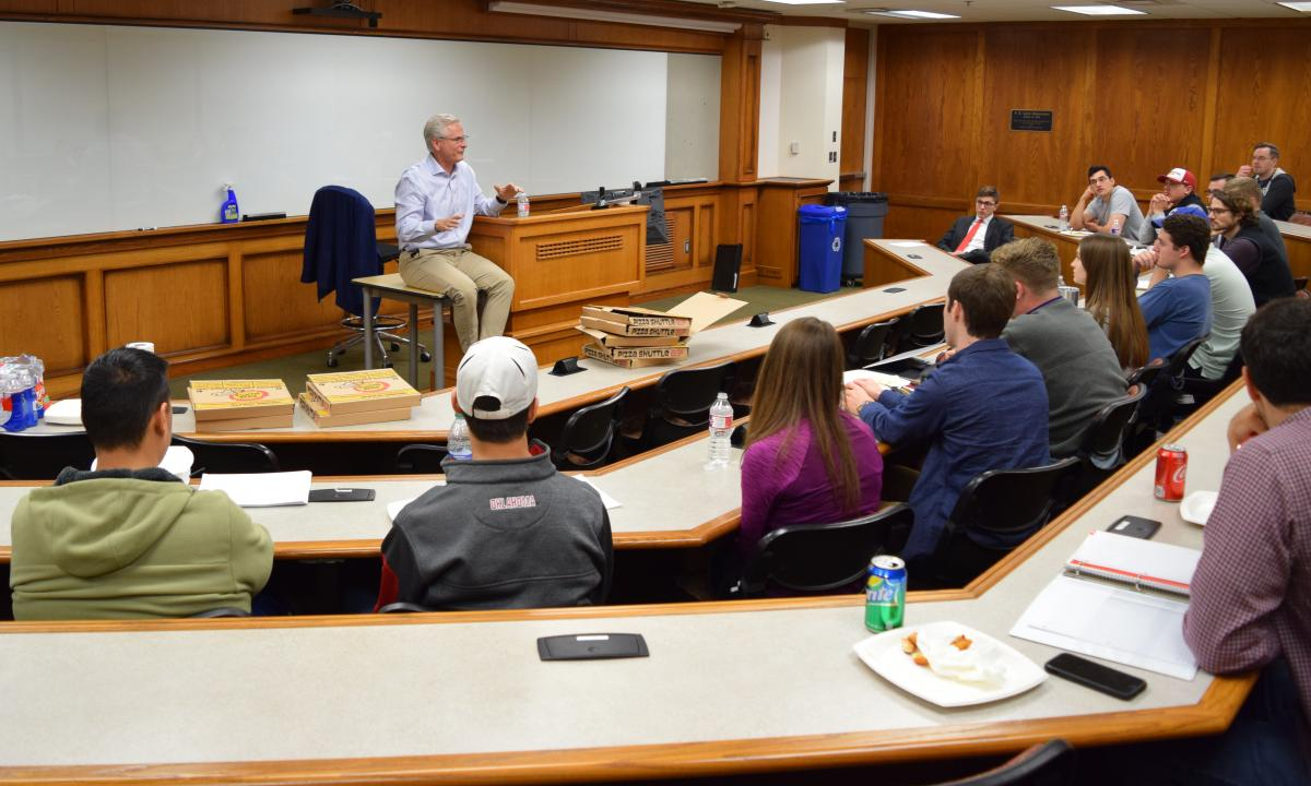 OG&E General Counsel William Sultemeier meets with the OU Law Business Law Society.